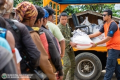Giving Food Packs to 22 Surrenderees 003