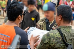 Giving Food Packs to 22 Surrenderees 004
