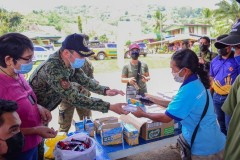 Libreng Serbisyo Medical, Agricultural, Ug Daghan Pa Nga Mga Ayuda Ang Gitunol Ngadto Sa Mga Residente Sa Brgy. Cawayan, Quezon, Bukidnon Pinaagi Sa Philippine National Police (PNP) End Local Communist Armed Conflict (ELCAC) Caravan Kaniadtong April 21, 2021 010