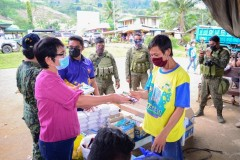 Libreng Serbisyo Medical, Agricultural, Ug Daghan Pa Nga Mga Ayuda Ang Gitunol Ngadto Sa Mga Residente Sa Brgy. Cawayan, Quezon, Bukidnon Pinaagi Sa Philippine National Police (PNP) End Local Communist Armed Conflict (ELCAC) Caravan Kaniadtong April 21, 2021 011